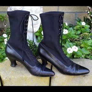 Stuart Weitzman Victorian Eduardian Boots 8 AA